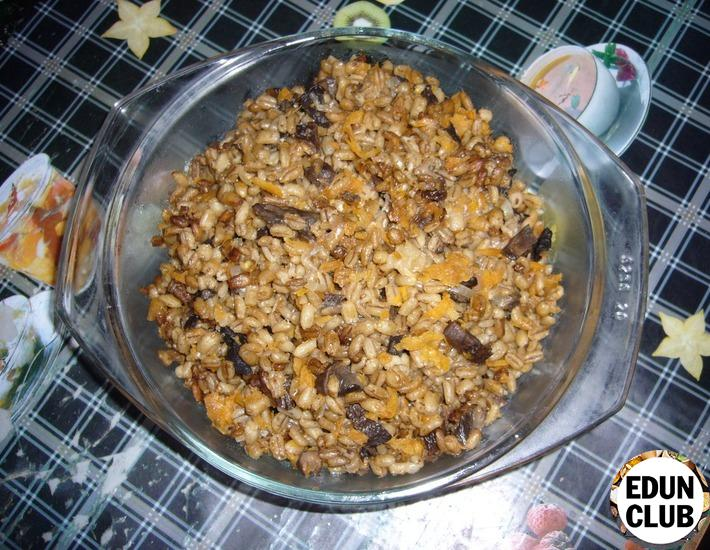 Risotto of pearl barley with mushrooms
